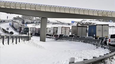 Retenciones de camiones este viernes en la A-31 a la altura de Bonete (Albacete).