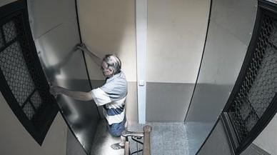 Barcelona traslada a la Generalitat 100 pisos vacíos no declarados por los bancos