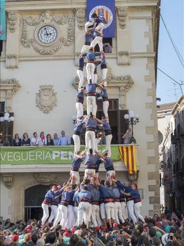 Los Castellers de Vilafranca chocan con el '4 de 10' en el cierre de su gran temporada