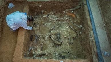 València reprèn les exhumacions de fosses que va frenar Rajoy