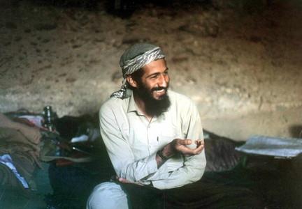 Osama bin Laden, en una cueva de Jalalabad, en Afganistán, en 1998.