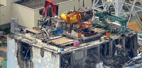 Aspecto de uno de los reactores de la planta nuclear de Fukushima Daiichi destruido por el tsunami.