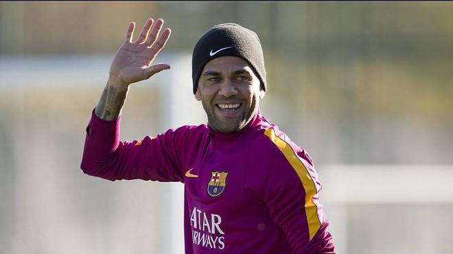 """Alves, sobre la premsa: """"¡Quina puta porqueria!"""""""