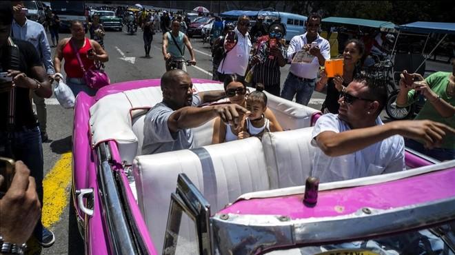 Els Kardashian porten el seu 'circ' a l'Havana