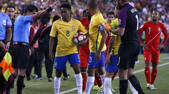 El Perú elimina el Brasil amb un gol d'escàndol