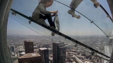 La nova atracció de Los Angeles: un tobogan transparent a 305 metres d'altura