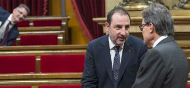 CDC trata de impedir que Uni� interpele a Mas en el Parlament