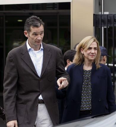 Palma de Mallorca aprueba pedir a Urdangarin que no utilice el t�tulo de duque