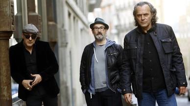 De izquierda a derecha, Roberto Álamo, Javier Cámara y Jose Coronado, protagonistas de 'Es por tu bien', en el hotel de las Letras de Madrid.