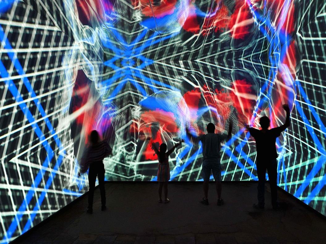 Olympus trae a Barcelona una exhibición interactiva de arte y foto