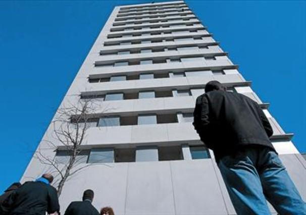 La morosidad de los bancos casi se igual con la de las - Pis proteccio oficial barcelona ...