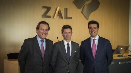 Sixte Cambre (Port de Barcelona), Alfonso Martínez (Cilsa) e Ismael Clemente (Merlin Properties) presentan los resultados de Cilsa.