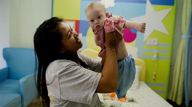 Austràlia dóna la ciutadania a Gammy, el nadó tailandès abandonat per tenir síndrome de Down