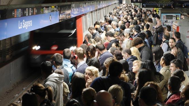 Un altre dilluns amb aturades parcials al metro