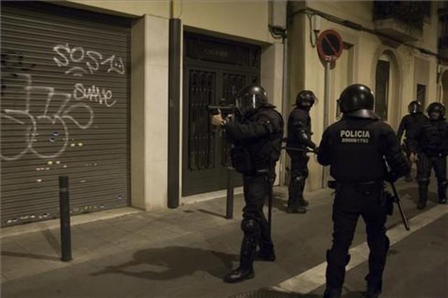 Imatge dels disturbis de la manifestació de Can Vies al barri de Sants