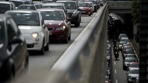 Baja la producción de vehículos