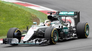 Hamilton demana a Mercedes que el deixi competir contra Rosberg