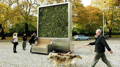 Un arbre artificial absorbeix la contaminació com si fos un bosc sencer