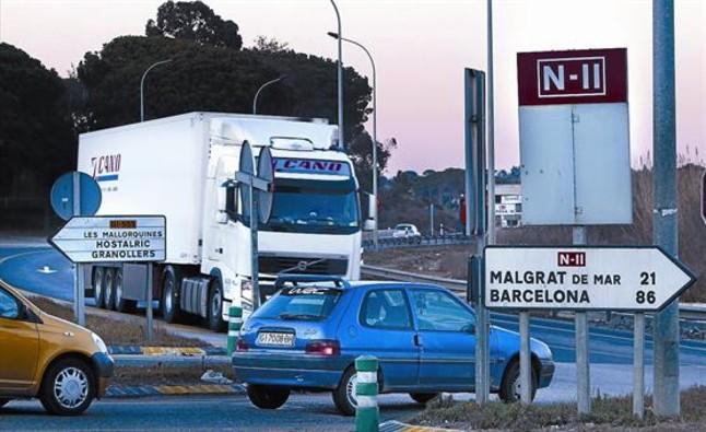 El Govern anuncia el veto de los camiones en la N-2 en Girona