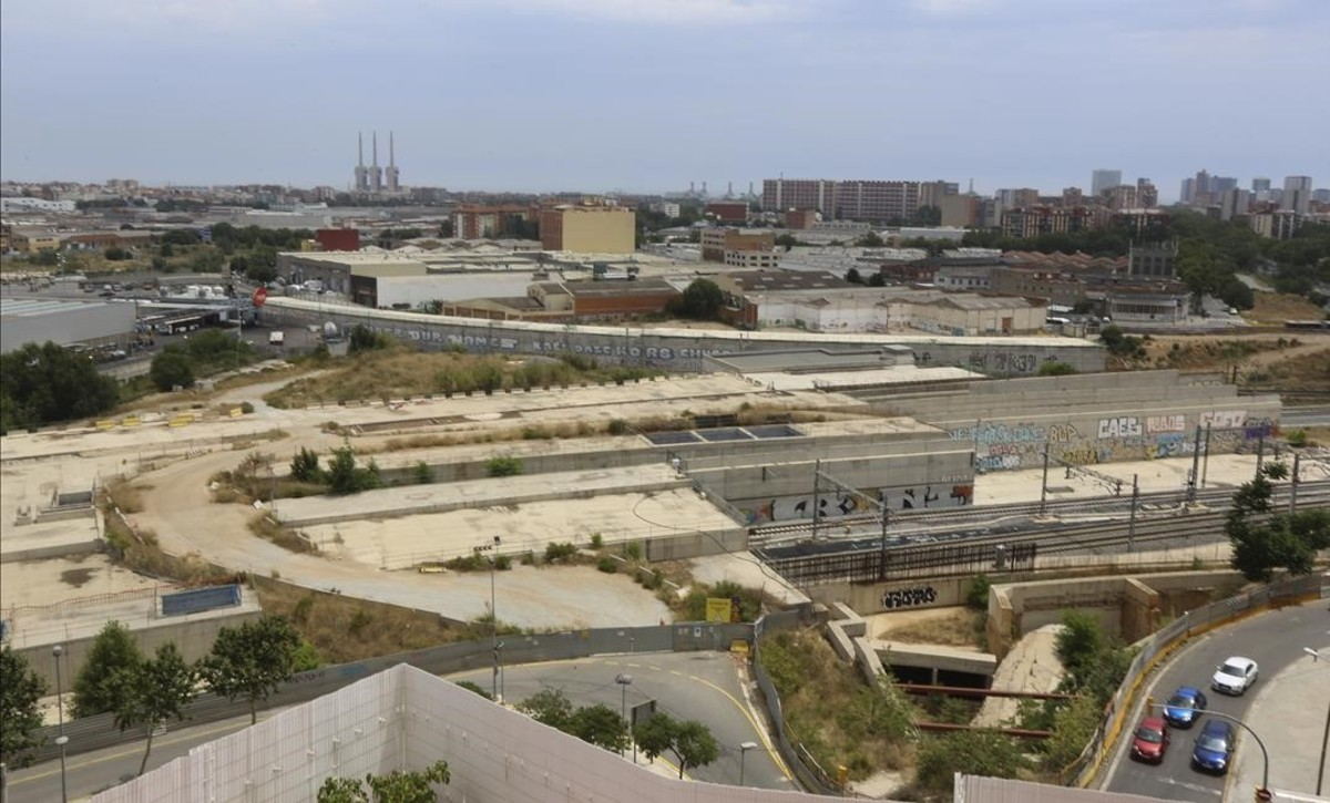 La Guàrdia Civil detecta suborns de quatre constructores de l'AVE a alts càrrecs d'Adif