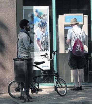 La banca extranjera reduce su tama o en espa a a la mitad for Barclays oficinas madrid