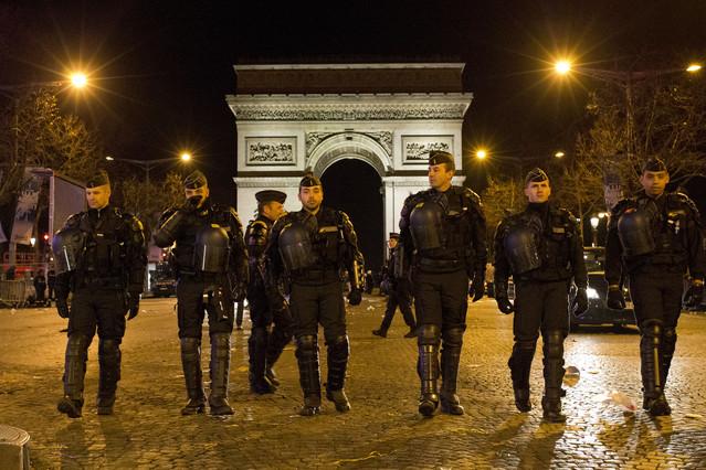 París se blinda para recibir al 2016