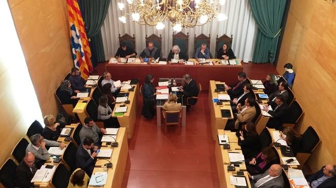 Consenso inédito entre todos los grupos de Badalona para rehacer las ordenanzas fiscales
