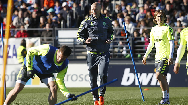 Primer entrenamiento del Real Madrid con Zidane al frente.