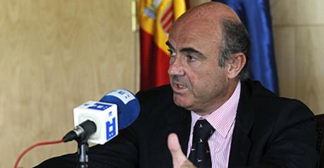Luis de Guindos, durante una entrevista con la agencia EFE.