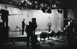 En campanya 8 Kennedy (esquerra) i Nixon en un dels quatre debats electorals televisats el 1960.