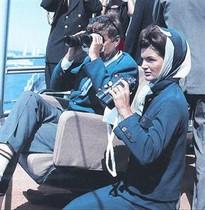 Pareja 8 Los Kennedy siguen una competición de vela, en 1962.<BR/>