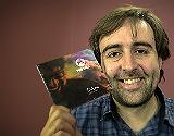 Roger Mas interpreta en ac�stico el tema 'Despr�s de la tempesta'.