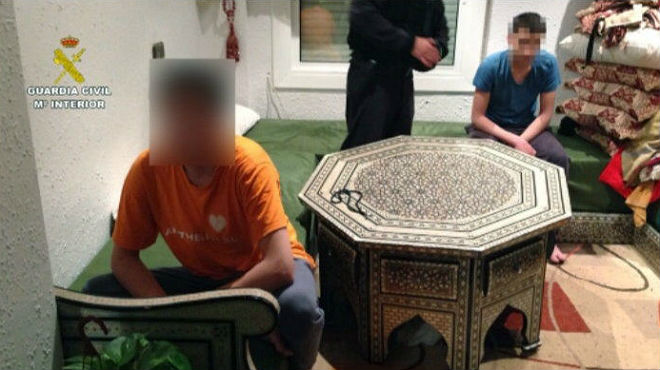Registrode la Guardia Civil contra el terrorismo yihadista en un hogar de Badalona.
