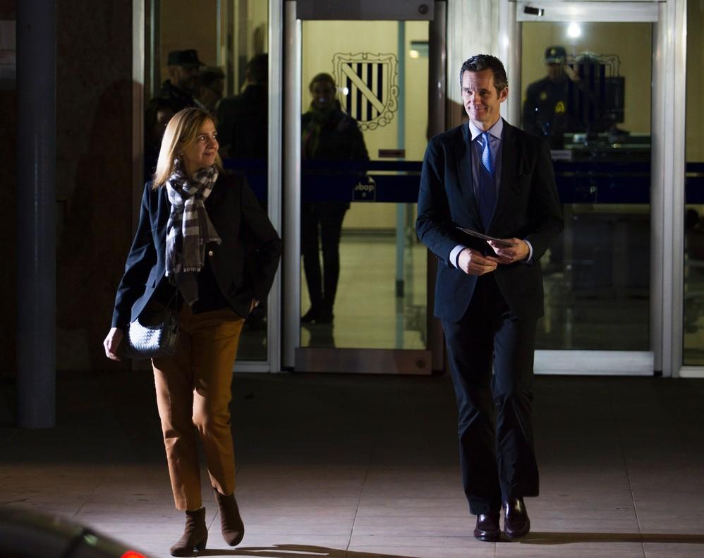 La infanta Cristina e Iñaki Urdangarin, a la salida de una de las sesiones del juicio del caso Nóos, en Palma.