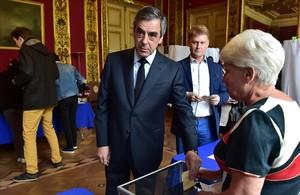Fillon vota en París