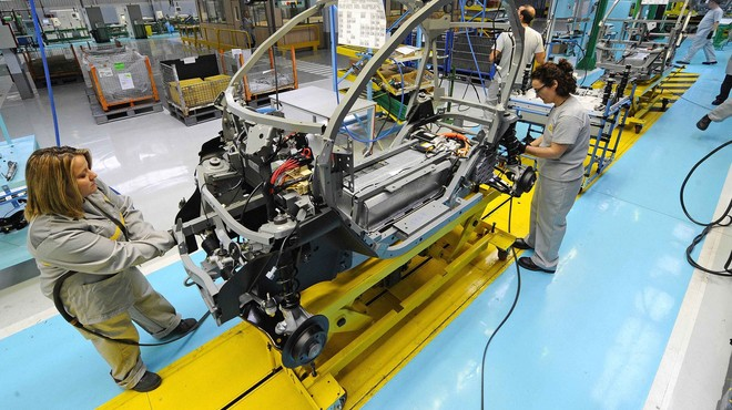 Employees work in the assembly of the new Renault Twizy Zero Emission electric car in Valladolid