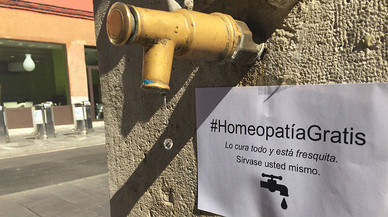 Un grup de farmacèutics ridiculitzen el Dia Internacional de l'Homeopatia