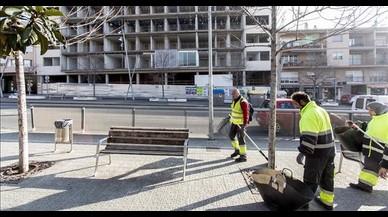 Una imagen de un edificio en obras de la avenida de Barcelona de Terrassa.