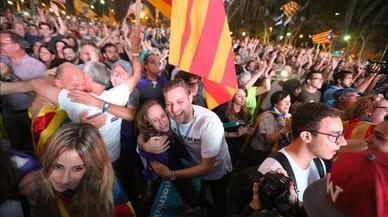 La frenada de Puigdemont sumeix en la decepció els independentistes