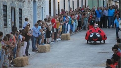 Dos ferits greus, un d'ells un nen, en una carrera de cotxes bojos de Badajoz