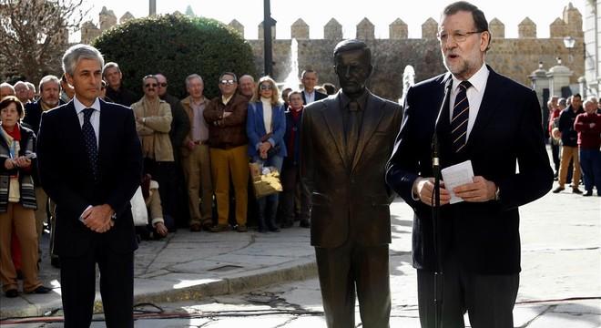 Rajoy disputa a Rivera el llegat de Suárez