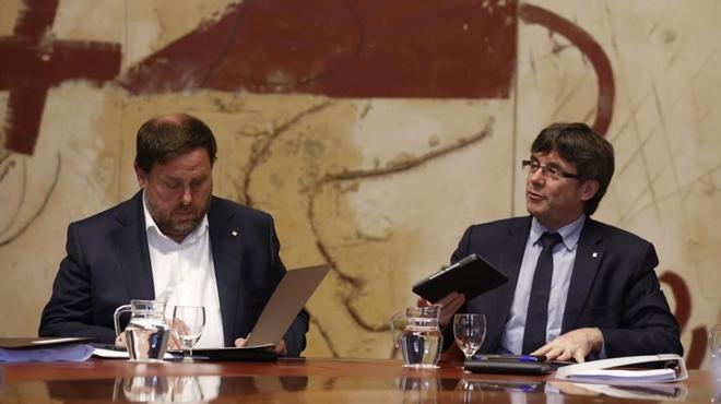 Puigdemont i Junqueras proposen un referèndum a l'escocesa a Catalunya.