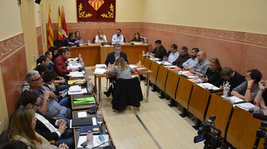 Un trànsfuga de CDC neutralitza una moció de censura a Rubí
