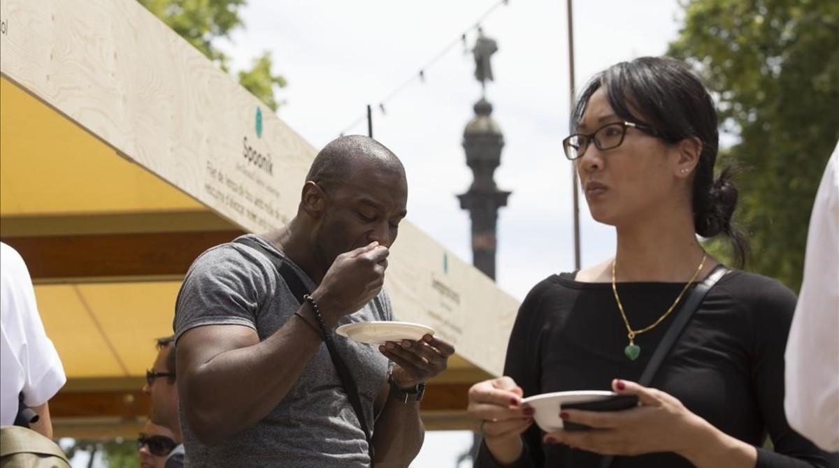 Más de 50 restaurantes tientan al barcelonés en el Tast a la Rambla