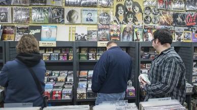 Una de las tiendas de discos de la calle de Tallers, en Barcelona.