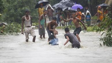 Les inundacions al Nepal atrapen 69 turistes espanyols