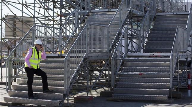 John Hoffman, consejero delegado de la GSMA, organizadora del Mobile World Congress, supervisa los preparativos de la feria en el recinto de Gran Via.