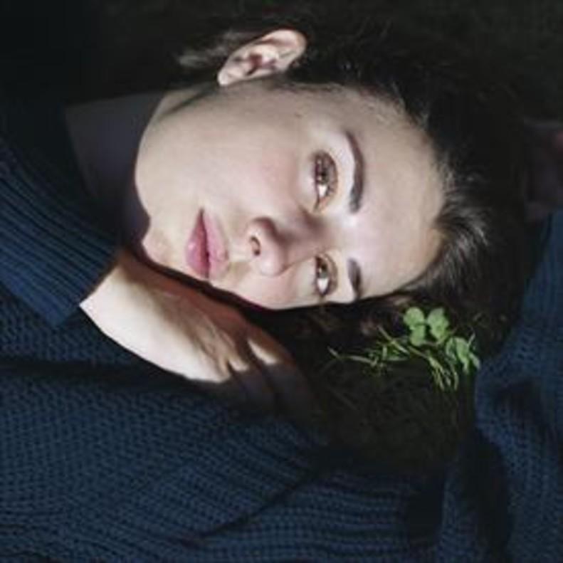 Retrato 8Elena Martín, de protagonista de Las amigas de Ágata a directora de Júlia ist.