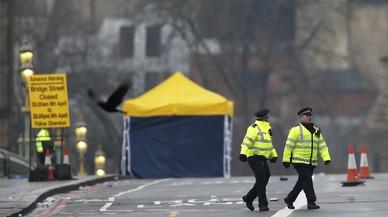 Agentes de policía, en el puente de Westminster, este jueves.