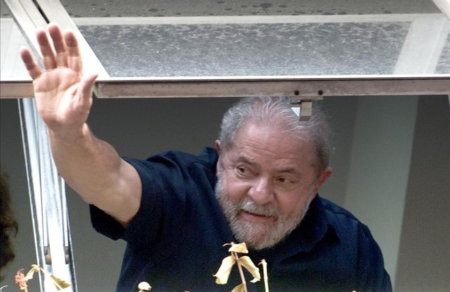 La polic�a deja libre a Lula tras interrogarle por corrupci�n
